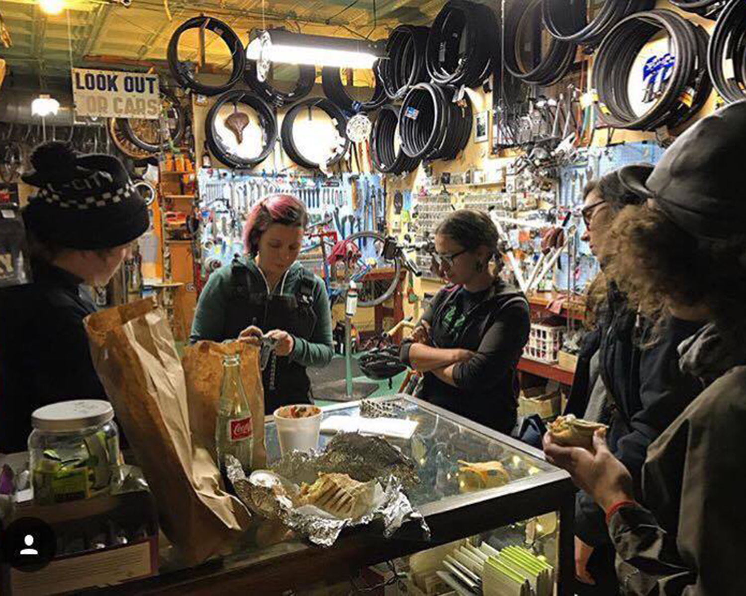 Mary Randall of Boulevard Bikes in Chicago hosts a women's maintenance night focused on teaching riders gravel-related skills.